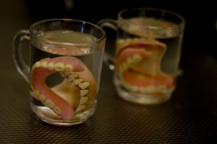 Импланты из стволовых клеток помогут за 2 месяца вырастить новые зубы. Уже скоро