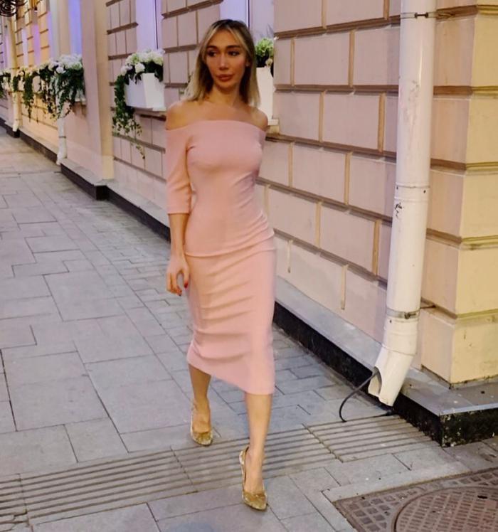 Ирина утверждает, что не может найти работу из-за своей привлекательной внешности
