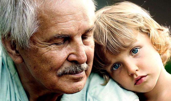 Отец Васи — актер-неудачник, он ушел из семьи, когда мальчику не было и 3-х лет