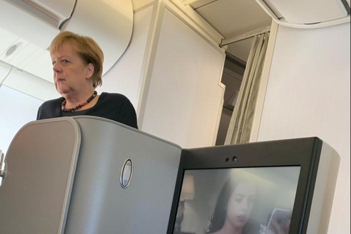 """""""Нищие"""" главы стран, выбирающие бизнес-класс и эконом вместо личного самолёта"""