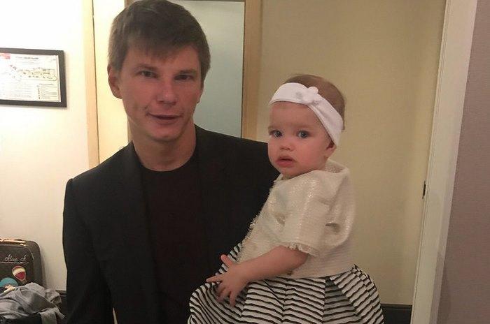 «Никому ничего не достанется»: Андрей Аршавин оставил бывшую жену и дочь ни с чем