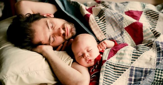О том, как я не спал после рождения дочери, а жена спала…