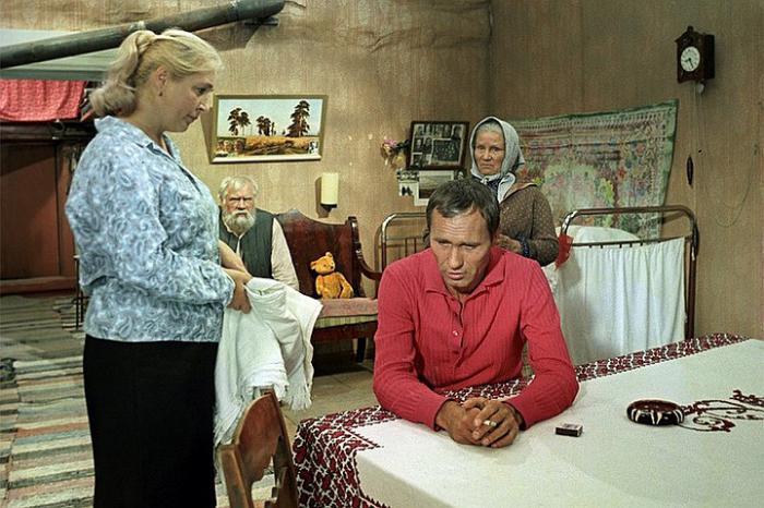 """""""За многое было совестно"""": легендарный Василий Шукшин называл """"чесоткой"""" свою непростую семейную жизнь"""