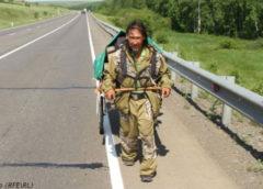Шаман из Якутии идёт пешком в Москву, чтобы ″изгнать Путина″