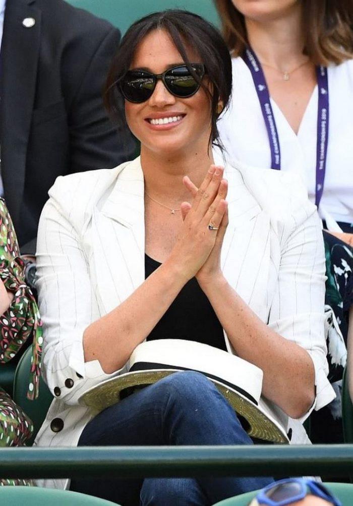 Меган Маркл призвали покинуть королевскую семью и вернуться в Америку