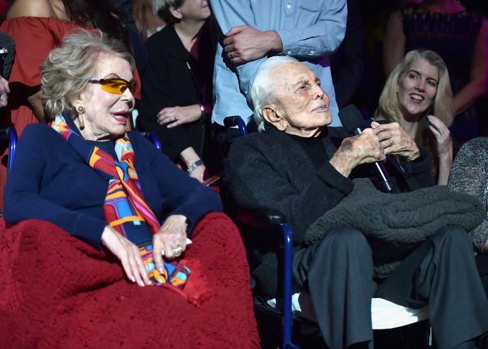 Ему 102, ей — 100, вместе уже 65 лет: история старейшей пары в Голливуде