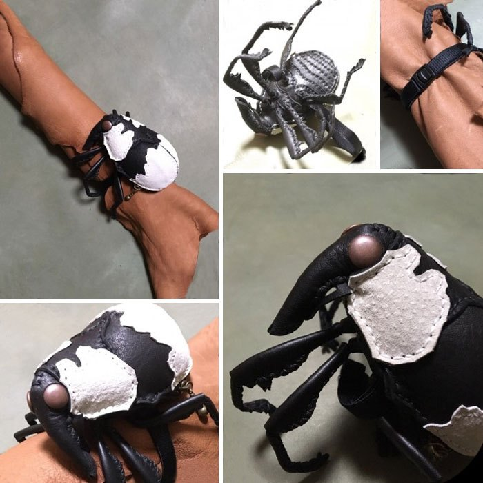 Японский художник мастерит дамские сумочки, с которыми позируют только очень смелые модели!