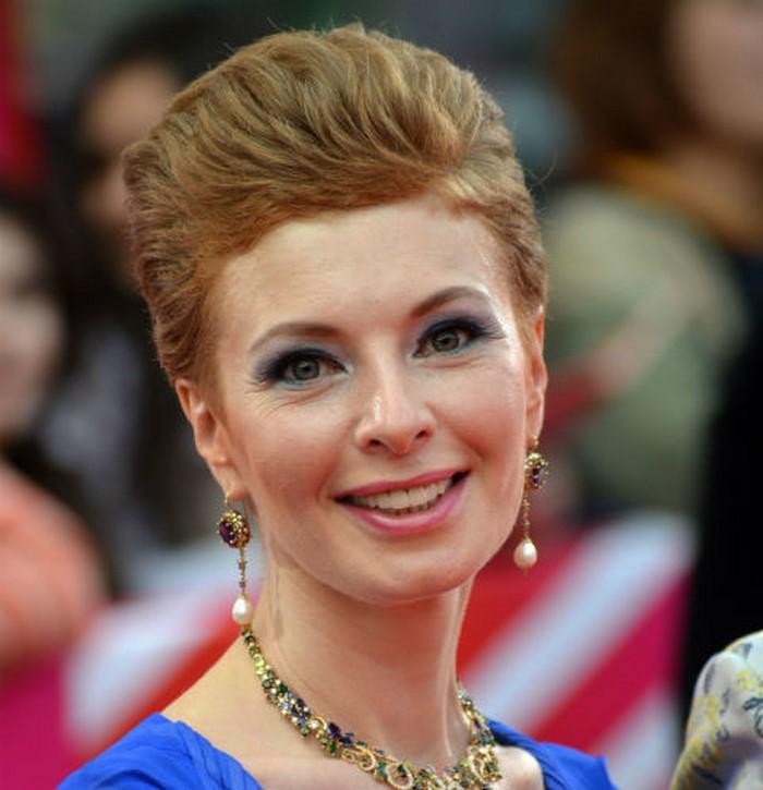 «Стала похожа на бабу-ягу»: в Сеть попало фото резко постаревшей Амалии Мордвиновой без капли макияжа