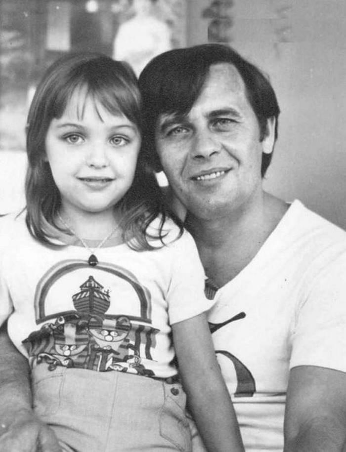 «Все та же улыбка» — Мальвине из «Приключения Буратино» сейчас 51 год. Представляете ее взрослой?