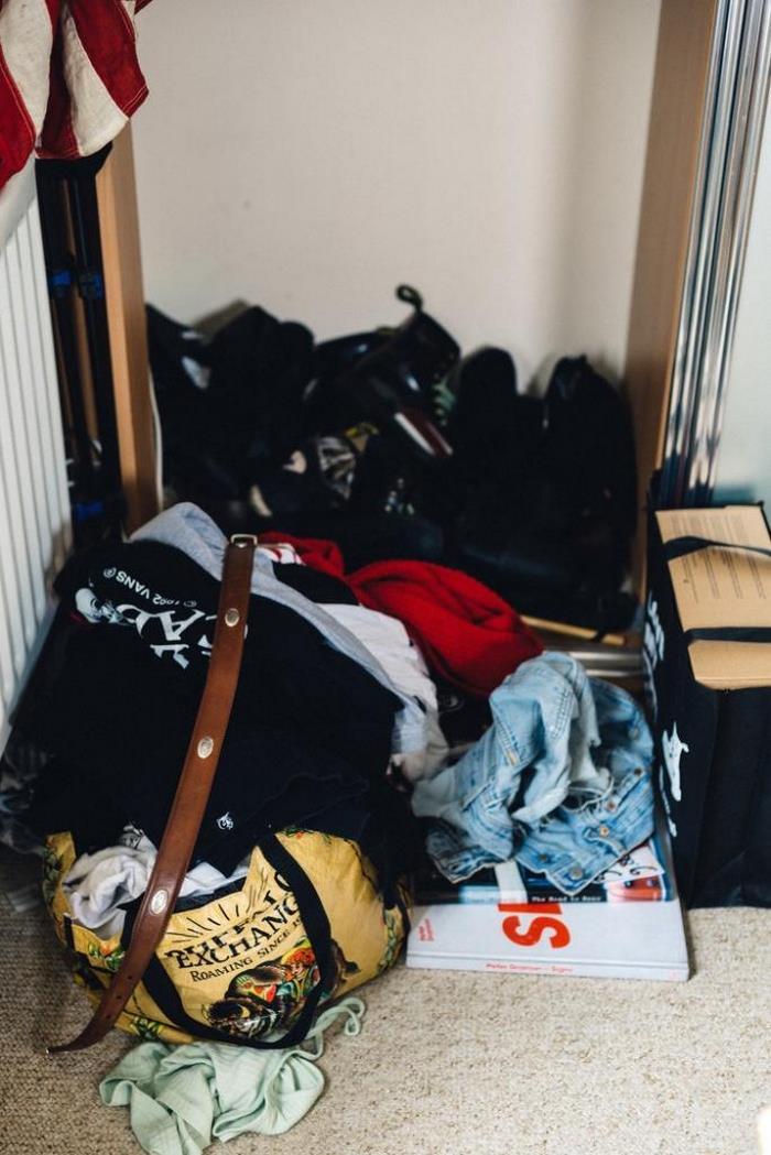 Хуже холостяцкой берлоги: 5 ужасных квартир, в которых живут девушки