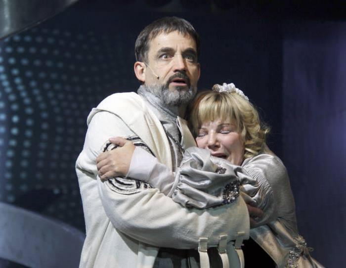 Взбешенный Певцов набросился с критикой на зрителя, пристыдив за неподобающее театру поведение