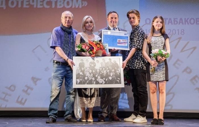 Как выглядит 13-летняя дочка Олега Табакова и Марины Зудиной