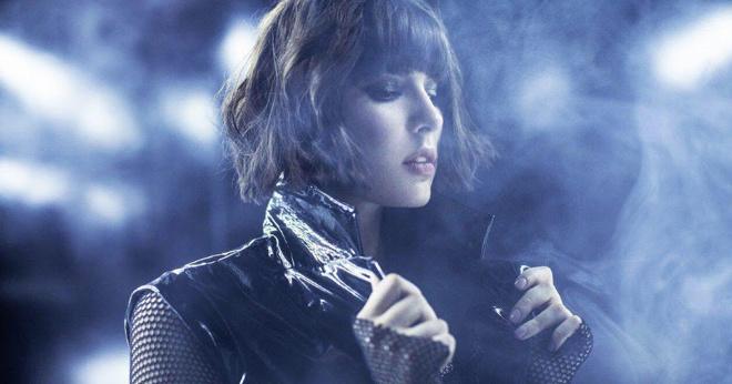 MARUV – Siren Song (Bang!) Эта исполнительница зажгла бы на Евровидении!