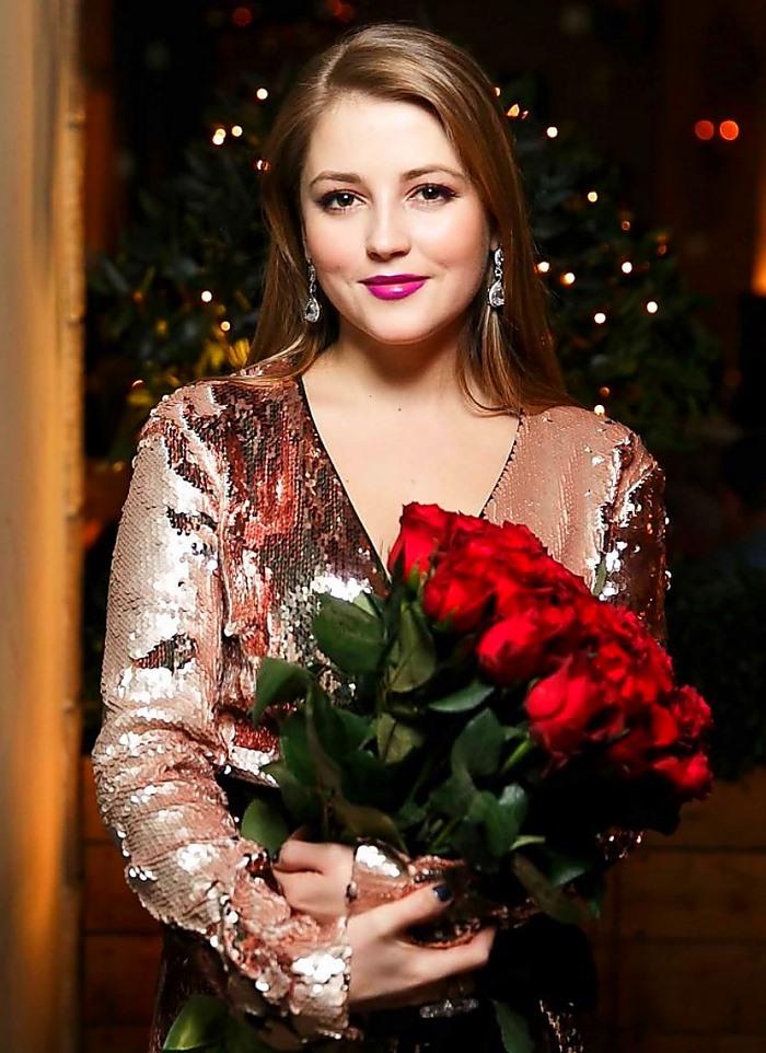 «6 лет брака – 6 лет мучений»: красивая актриса Анна Михайловская, ее жизнь и новая любовь