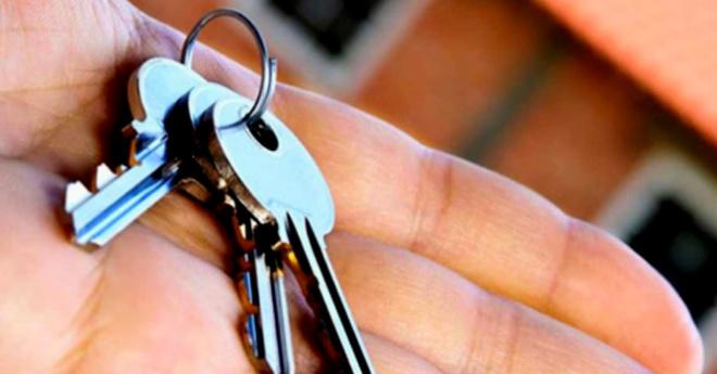 Как-то я в кармане мужа нашла ключи от чужой квартиры