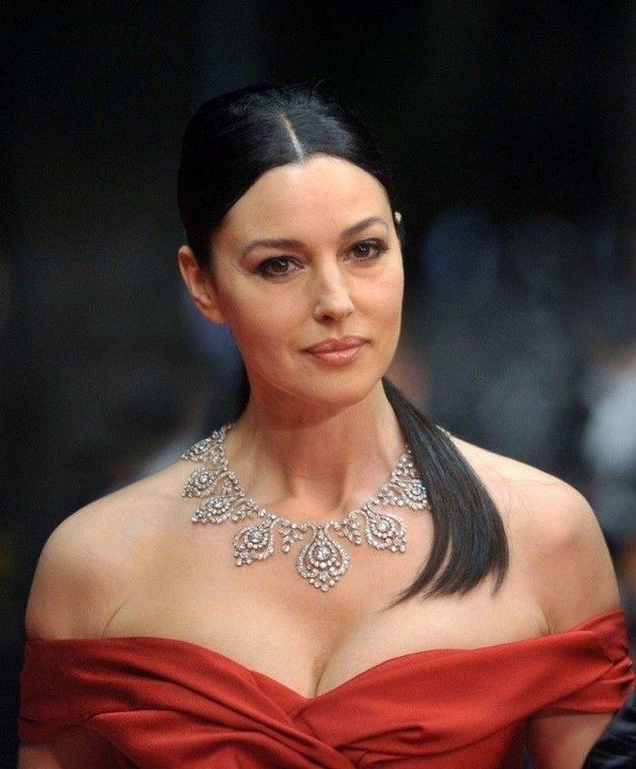 Для 54 лет выглядит слишком взрослой: Водонаева о внешности Моники Беллуччи
