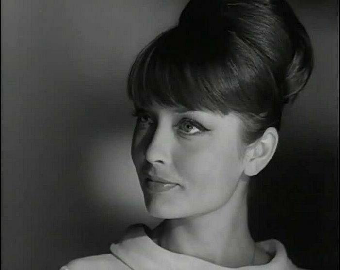«Ни ролей, ни детей!»: Жанна Болотова, как живёт сейчас одна из красивейших актрис