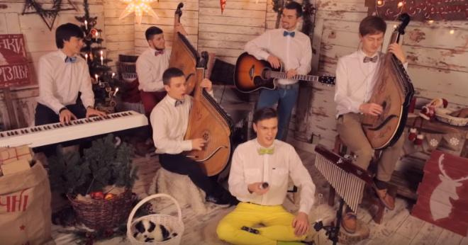 Jingle Bells перепели на украинском языке, и получилось потрясающе!