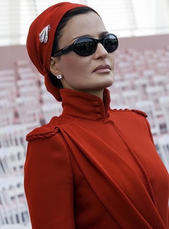 Самая элегантная и модная женщина арабского мира и её коллекция украшений