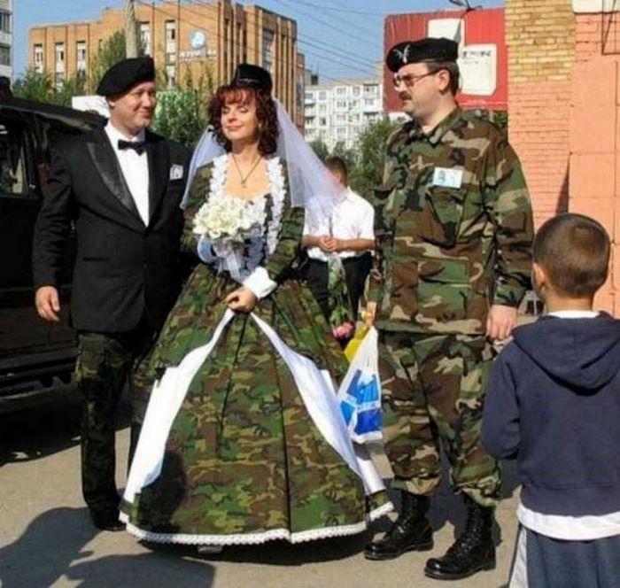 Невесты, которые мечтали удивить нарядом, а смогли лишь рассмешить
