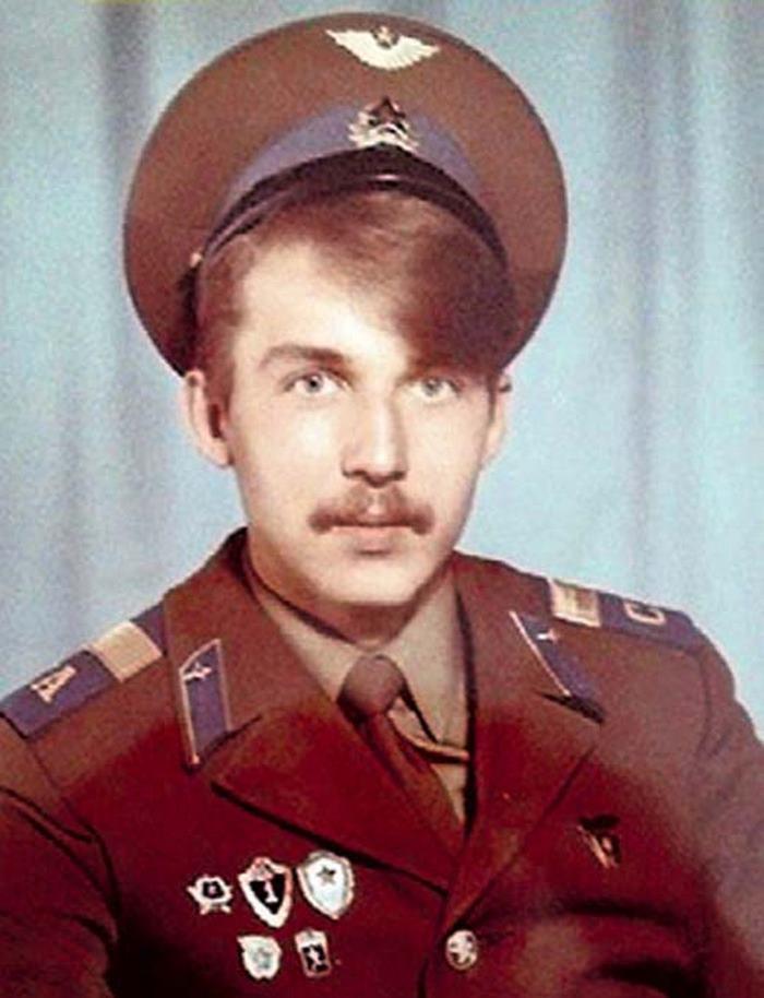 Тяжелая жизнь и единственная любовь брутального актера Кирилла Полухина