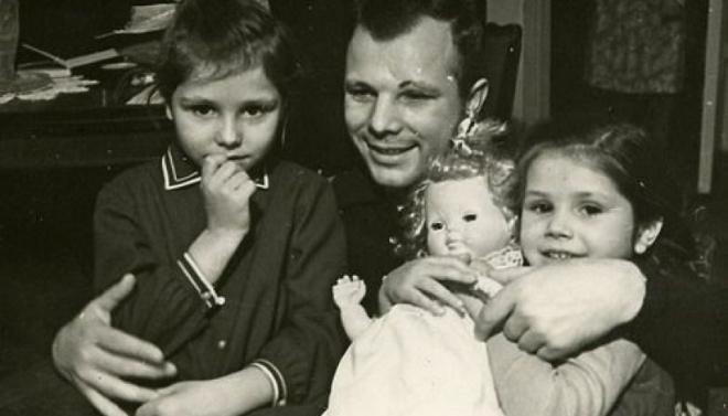 Дочери Гагарина: кем стали Елена и Галина