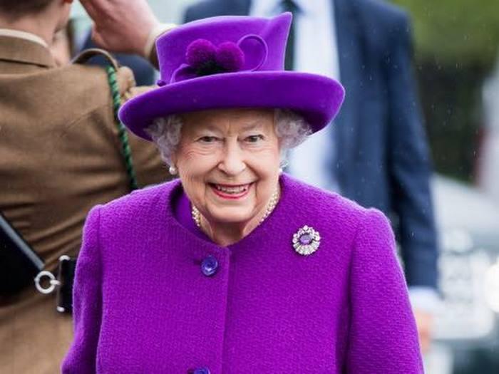 Елизавета II забрала у Меган все королевские украшения и не только