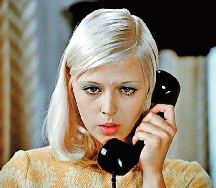 От кумира молодежи до продавщицы: Люське из картины «Большая перемена» уже 70 лет!