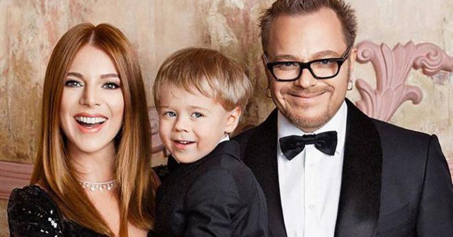 Прекрасная семья: Последние фотографии Преснякова с женой и 4-летним сыном умилили их поклонников