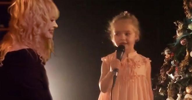 Лиза Галкина спела песню Раймонда Паулса «Миллион алых роз» и поздравила его с днем рождения
